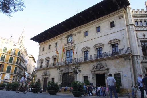 Vista general de la fachada del Ajuntament de Palma.