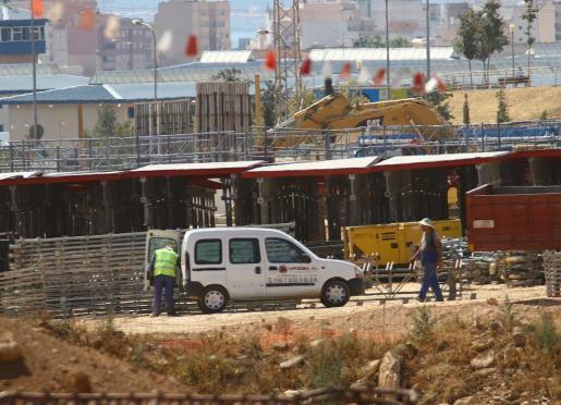Obras durante la construcción del hospital universitario de Son Espases.