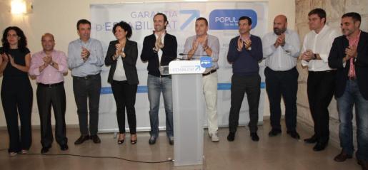 Xesca Ramis junto a José ramón Bauzá en el momento de su presentación como candidata del PP para la Alcaldía de Lloseta.