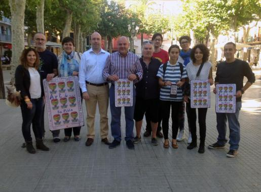 Las autoridades de sa Pobla y miembros de la organización presentaron esta nueva edición de Art i Copes.