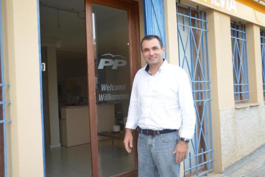 José Manuel Ruiz, el candidato del PP de Calvià para las próximas elecciones, en la sede de los populares en el municipio.