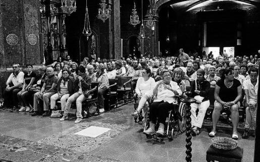 Unas 450 personas participaron en los actos para celebrar los 70 años de los cursillos, que terminaron con una misa presidida por el obispo Salinas.