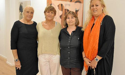 María José Corominas, Marita Cort, Dolors Pérez y Ana Bàrbara Cardellà.