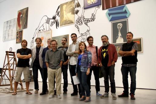 Dibujantes y comisarios de la exposición durante la presentación de «Implosió. Carte Blanche a CòmicNostrum».