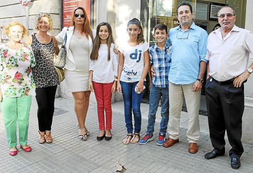 Teresa Tamayo, Marian Casado, Paola Monleón, Nuria Nebot, Yolanda Molina, Marc Pons, Ramón Valderas y Justo Casado.