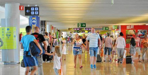 El aeropuerto de Son Sant Joan en Palma fue el segundo más rentable de AENA durante 2013. Cerró el ejercicio con un beneficio de más de 97 millones de euros.