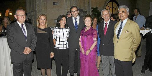 Pancho Roses, Teresa Martorell, Margalida Ferrando, Guillermo Dezcallar, Juana María Román, José Yáñez y Ramón Montis.