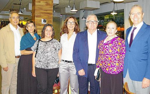 Fernando Rodríguez, Ángela Simó, Esperanza Argüelles, Natalia Bueno, Joan Garí, Margarita Sendín y Jesús Martínez.