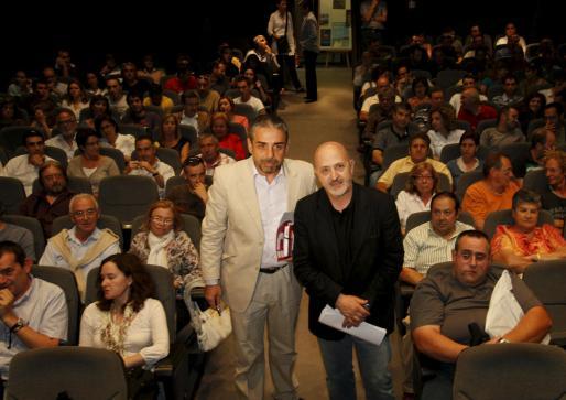 Sebastián Àlvaro y Joan Carles Palos, en el Teatre Municipal.
