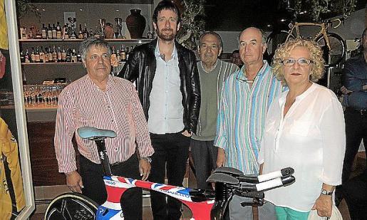 Tolo Llompart, Bradley Wiggins, Andreu Oliver, Miquel Ferrer y Maria Cifre.