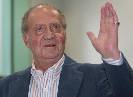 El Rey Don Juan Carlos a su salida del Hospital Clínic de Barcelona el pasado 12 de mayo.