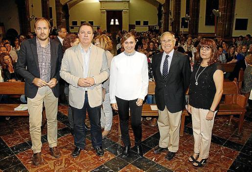 Toni Serra, Rafel Torres, Elvira Rosselló, madre del pequeño Álvaro, Fernando Alzamora y Carme Lorente.