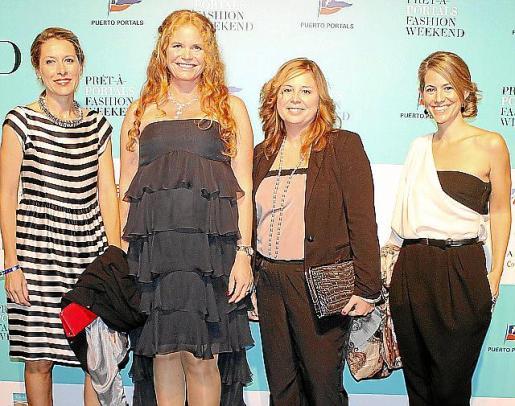 Sandra Piñeiro, Corina Graff, Laura Estarás y Rocío Martínez.
