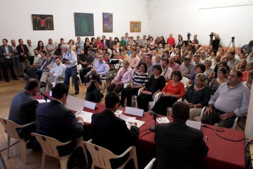 El Ajuntament de Marratxí congregó a los empresarios del municipio para explicarles las medidas de reactivación económica en un acto celebrado en octubre del 2013 en las bodegas Suau.