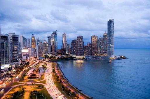 En tiempo de crisis: exportar a Panamá, invertir en Panamá.