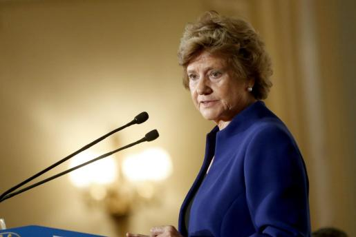 La Defensora del Pueblo, Soledad Becerril, durante su intervención en el Fórum Europa el año 2013.