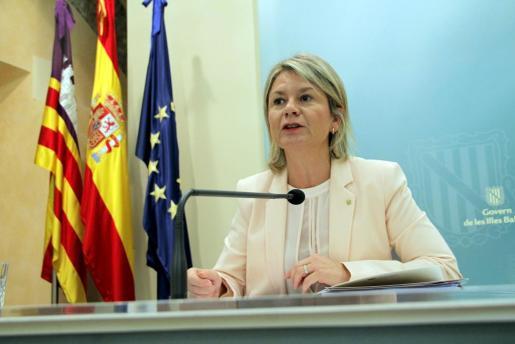 La consellera de Educació Nuria Riera durante una rueda de prensa.