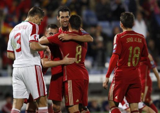 Los jugadores de la selección española celebran el segundo gol del combinado español.