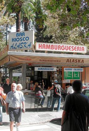 La hamburguesería Alaska, ubicada en la plaça des Mercat.