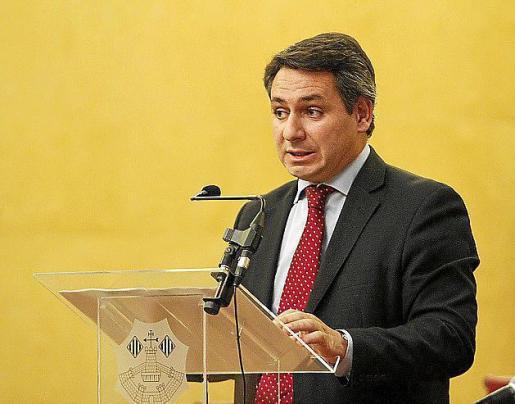 Antonio Bengoa, director de relaciones institucionales de Telefónica España, durante su intervención en el Foro Menorca.