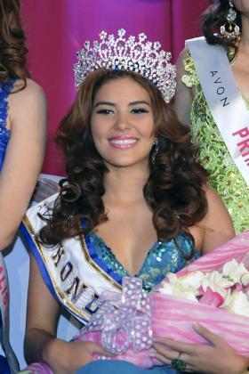 Fotografía del 26 de abril de 2014 de la coronación de la candidata de Honduras a Miss Mundo 2014 María José Alvarado en la Ciudad de San Pedro Sula.