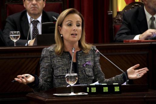 La portavoz del PP en el Parlament y exconsellera de Obras Públicas, Mabel Cabrer.