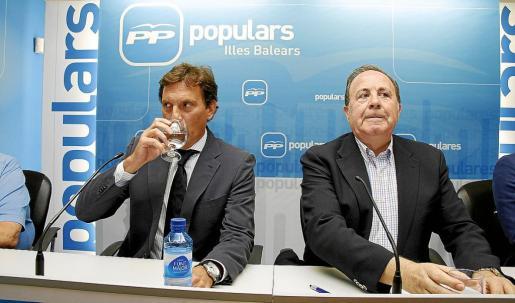 Mateo Isern y José María Rodríguez, en una reciente reunión del partido en Palma.