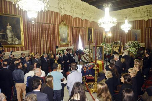 La capilla ardiente con los restos mortales de la XVIII duquesa de Alba, Cayetana Fitz-James Stuart y de Silva.