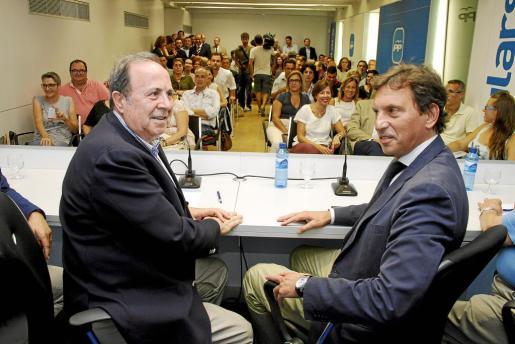 José María Rodríguez y Mateo Isern, en la reunión de la Junta Territorial celebrada el pasado mes de octubre.