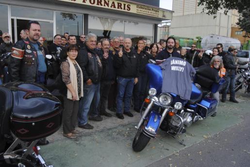 La gran familia de los 'Ángeles Guardianes', enviando un mensaje de ánimo a Willy, ingresado en la UCI.