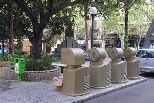 Imagen de unos contenedores de recogida neumática.