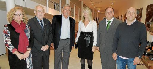 Àgueda Fiol, de Cruz Roja; Miquel Corró, Tomeu Llompart, Lina Pons, Miquel Mulet y Joan Sans.