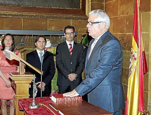 Bernardí Coll durante su jura como conseller del Consell de Mallorca.