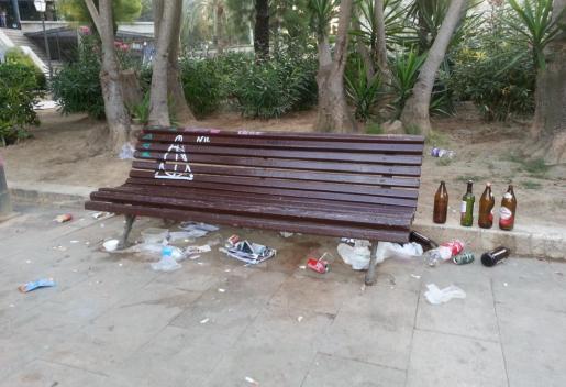 Botellón consentido en el Parc de Sa Faixina