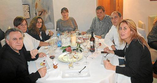 Jose Miguel Bauza, Montserrat Mundo, Merçe Amengual, Carmen Mayol, Toni Mayol, Gori Bort y Maribel Crespi.