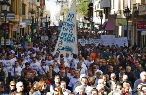 Manifestación en Castellón en protesta por las prospecciones petrolíferas en el Golfo de Valencia.