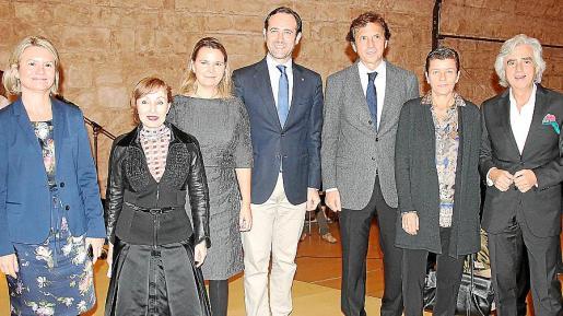 Nuria Riera, Nekane Aramburu, Maria Salom, José Ramón Bauzá, Mateo Isern, Carme Serra y José María Lafuente.