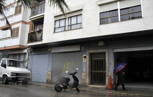 Los asaltes entraron en un piso de la calle Mont Lueri.