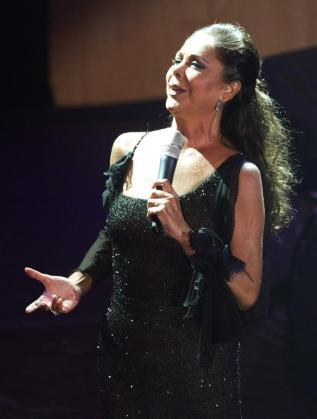 La cantante Isabel Pantoja durante un concierto.