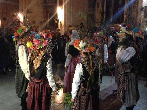 Momento de la danza de los Cavallets