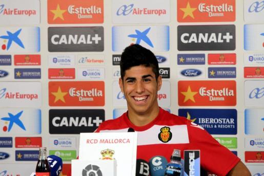 Marco Asensio durante una rueda de prensa en Son Bibiloni.