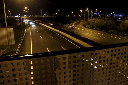 El puente de Son Cladera desde donde se realizó el último ataque a un vehículo.