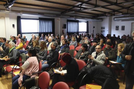 La asamblea de Esquerra Republicana que ha ratificado a Joan Lladó como presidente de la formación en Mallorca se ha celebrado en Inca.