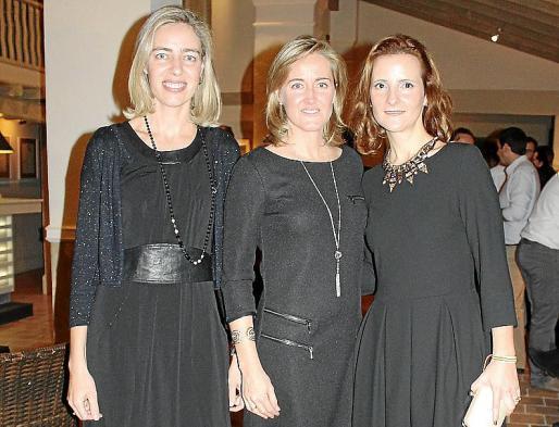 María Rosa, Begoña y Carmen Palou de Comasema.