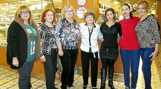 María Salvá, Joana Gelabert, Esperanza Mulet, Cati Bordoy, Silvia Pons, Cati Frau y María Romero.