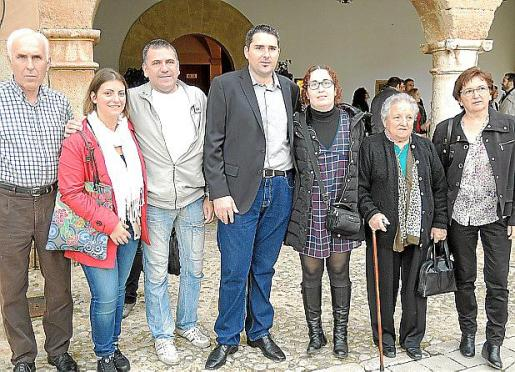 Pere Vich, Joana Pons, Félix Granados, Toni Vich, Edurne Seda, Aina Coll y Aina Crespí.
