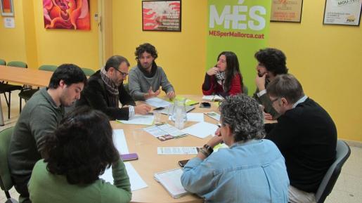 MÉS ha reunido la mañana de este viernes a su equipo de campaña con el objetivo de «ganar las elecciones autonómicas y municipales de 2015».