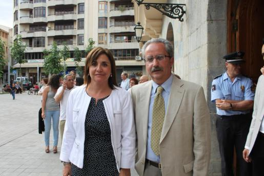Àngel Garcia y Francisca Barceló, concejales del grupo Independents d'Inca, el día de su toma de posesión.