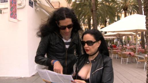 Mario Vaquerizo y Alaska en Eivissa durante la grabación de un reallity show.