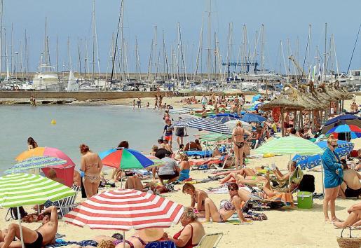En octubre ya se había superado el total de visitantes en Balears en 2013 (de 13.051.564 turistas).